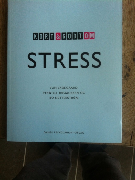 Brugerhåndbog for den stressede. Udgivet på Dansk Psykol